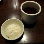 やきとり家 すみれ - アイスとお茶