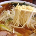 味平ラーメン - ネギラーメン麺リフト