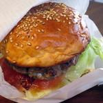 サガン - 自家製パンの国産和牛ハンバーガーサンド(アップ)