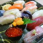 鮨処魚徳 - 寿司いろいろ、お持ち帰りで。