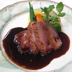 シェ・イノセ - メイン:フランス産鴨のロースト+525円