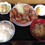 千丸 - からあげ定食(800円)