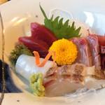 すが畑 - 噛むほど甘みがでる鯛や綺麗な赤身のマグロがとても上品でした!