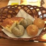 チェント・ドゥエ - 自家製のパン