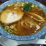 飯馳停 - 料理写真:醤油らー麺