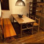青山焼肉道場 - 6名様席もご用意しています