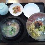 韓国食堂 カンスニ - 話題のサムゲタンスープとビビンバ!おいしいし体に良さそう~1280円