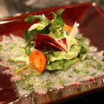 JIYUGAOKA  SIMPLE DISH - その日に獲れた魚を漁師さんに持って来てもらうので数限定のカルパチョです。皆様お早めに~♪