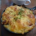 TEA ROOM Zero - 料理写真:ボイルチキンとコーンの焼きチーズライスセット(1317円)