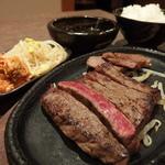 焼肉 煌牛 - 特選サーロインステーキセット