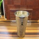ちゃりん坊 - 竹鶴のハイボール、グラスが冷えていておいしいです。