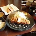 平田牧場 とんや - 2015年9月 平牧金華豚厚切りロースカツ膳【2000円】