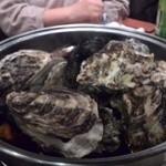 かき小屋 - 蒸し牡蠣