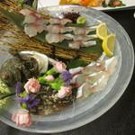シーサイドホテル 美松 大江亭 - 料理写真:豊後アジの刺身