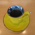 シーサイドホテル 美松 大江亭 - 食後のコーヒーは別室でのんびりいただきます