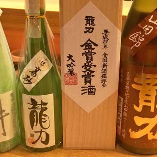 江川では和食料理に合う厳選した日本酒を揃えています。