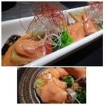 博多 十和蔵 - 大きめの海老が4尾入っています。柚子胡椒のピリッとした風味がいいアクセントですが、 オーロラソースは少しお味が濃いので、途中で飽きます。