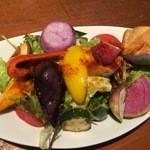 クレバーカフェ - たっぷり三浦野菜とお魚の唐揚げのサラダプレート