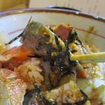 兼平鮮魚店・中洲川端店 - 海鮮丼は魚のぶつ切りの海鮮丼、ぶつ切りとしても650円と言う値段には感心させられます。
