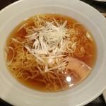 45098187 - チャーシュー細切り湯麺(醤油)