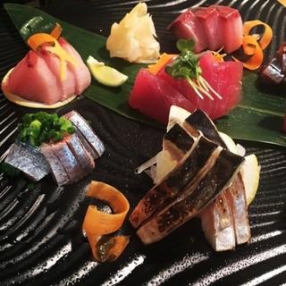 新鮮な魚介類を堪能できる『築地直送!今日のお刺身』