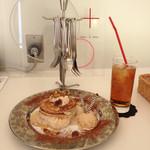 cafe maru2tasu - 注目!食器がオシャレ