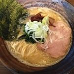 びし屋 - 料理写真:豚骨醤油ラーメン