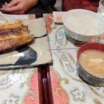 コーヒーマルシェ - 定食はライス、味噌汁、漬物が付きます