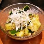 八じゅう - きゅうりの冷菜(380円)