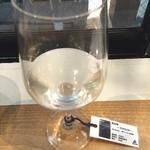 SAKESTAND shibuya dogenzakaue - 笑四季 Sensation 黒ラベル 生原酒‼️ 締めに濃くて甘い感じがとても良い(^_^) エミシキという名前も好き。