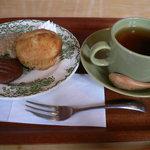 Honeybee Cafe - 焼き菓子と飲み物のセット