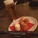 キリストンカフェ東京 - キリストンカフェ☆  ライチビールとお通し☆ お通しはチョコレートタワーでチョコをつけて食べます٩(๑òωó๑)۶