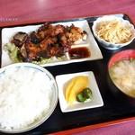 梨花 - 料理写真:2015年10月 ブタカルビ焼き定食【900円】骨付きです。