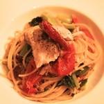 フェリア トウキョウ - 鰤と野沢菜、ドライトマトのペペロンチーノスパゲッティ