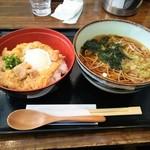 仁乃房 - 温かい蕎麦と親子丼セット(\870)