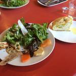 Hisa - サラダとフォカッチャ