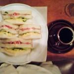 ワールドコーヒー - 2007年5月 クラブハウスサンド&コーヒー(小汚い画像ですみません)