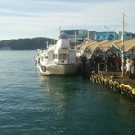 45115643 - ホテル浦島へは船で渡って行きます。