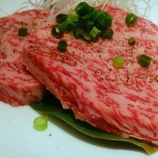 厳選されたこだわりのお肉をリーズナブルにご用意しております。
