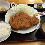 たか升 - 料理写真:熟成ロースカツ定食=880円