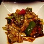 中華名菜 紅龍 - メインの豚肉とキャベツの炒めです