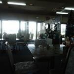 桜井ロングゴルフ - 一昔前の社員食堂の様