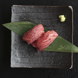 和牛の肉寿司