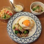 45136718 - パッパックッ ルワンミッ 豚肉と野菜炒めランチ750円