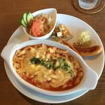 カフェミッテ - 料理写真:シュペッツレ&ソーセージ ランチ  1100円
