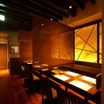 芦屋炭火キッチン MACHIYA - 暖簾でお席を区切れます
