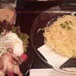 石釜らーめん田田 - チキンサラダ麺\930