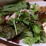 45140107 - WA CAFE AIM @茅場町 カキフライに添えられるチキンサラダとポテトサラダ