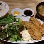 45140147 - WA CAFE AIM @茅場町 ランチ カキフライ 1,000円(税別)