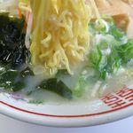 ニューホームラン - しおラーメンの麺